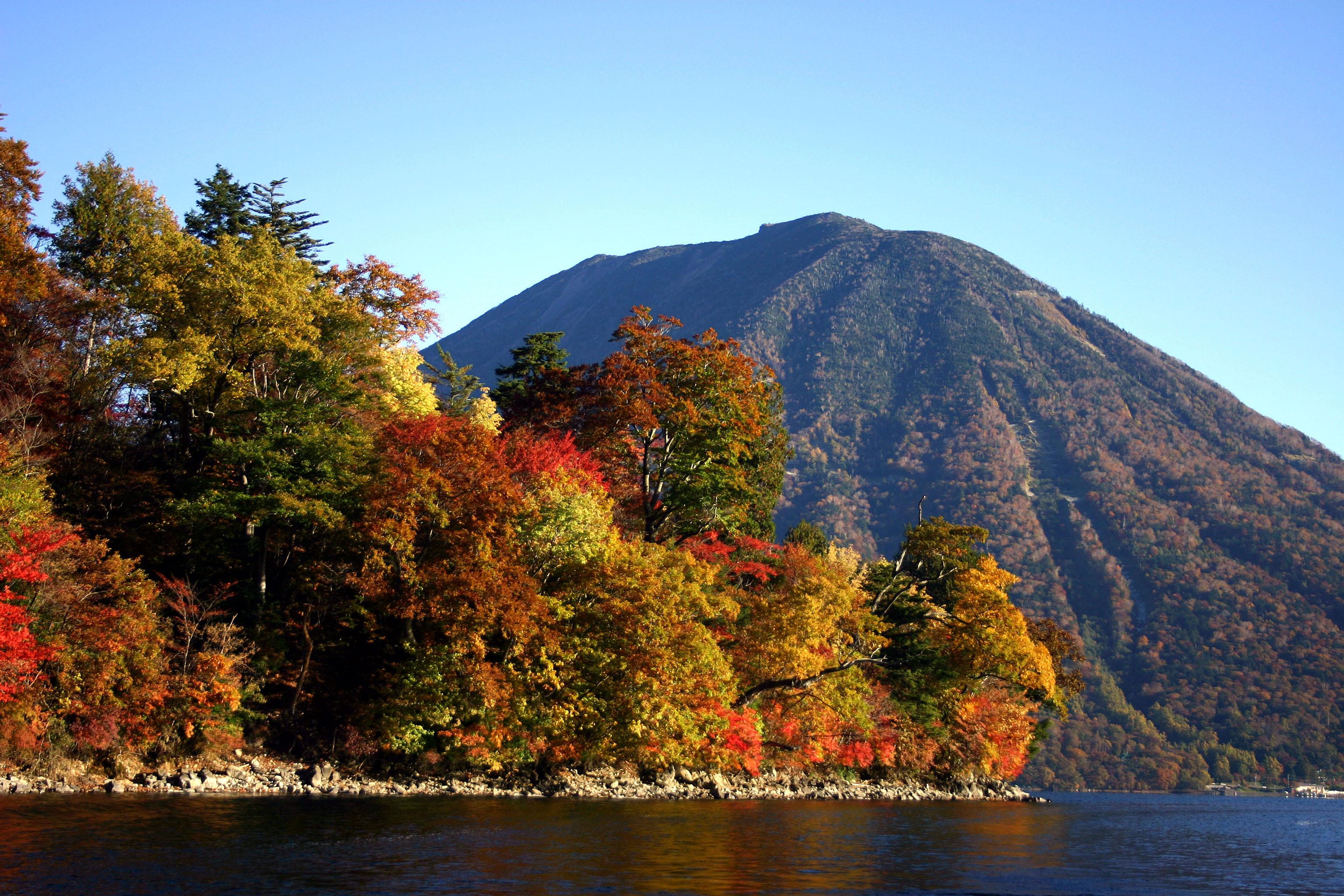 中禅寺湖(秋)�.jpg
