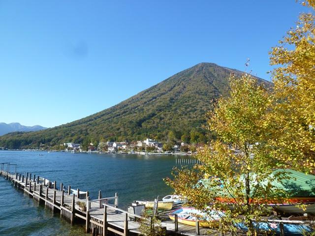 男体山と中禅寺湖畔151007