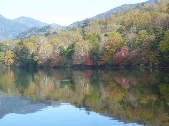 湯の湖畔151010