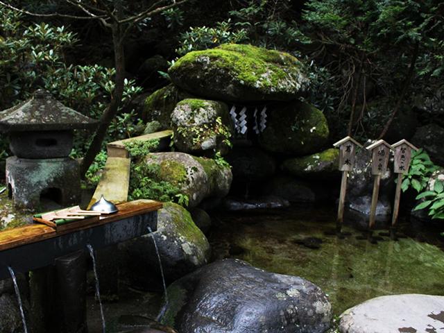 二荒山神社水.jpg