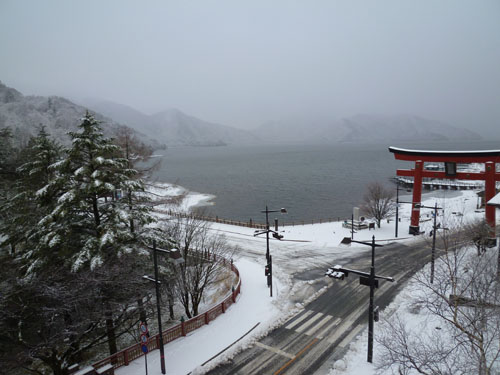 中禅寺湖110419.JPG