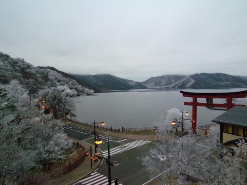 中禅寺湖111202.JPG