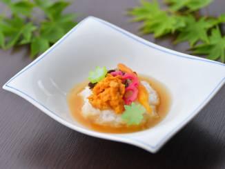 夏料理:【凌ぎ】冷やし粥 蒸し雲丹 酢蓮 薬膳 楓百合根