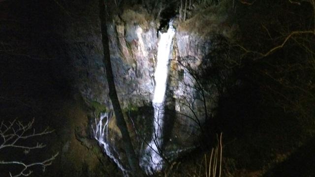 華厳の滝ライトアップ開催中です